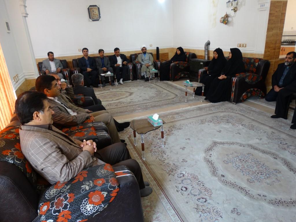 دیدار مدیران شورای هماهنگی وزارت تعاون کار ورفاه اجتماعی با خانواده انصاری